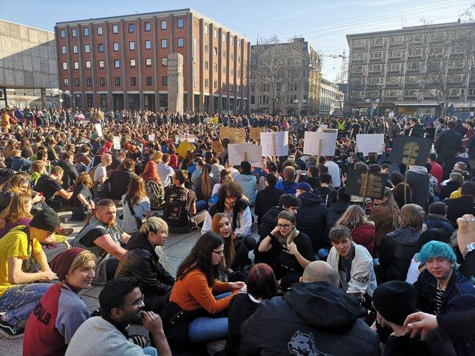 Gegen Artikel 13 - Tausende demonstrieren in Köln